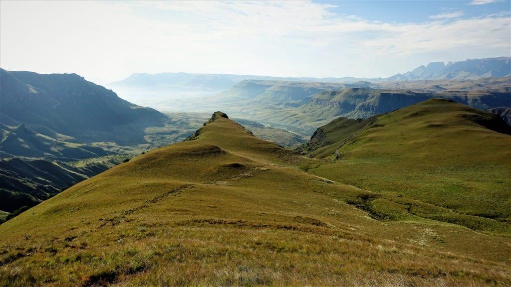 Massif du Cathedral Peak dans le Drakensberg - - Article randonnées du Drakensberg